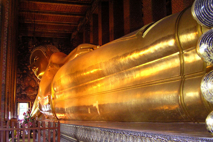 Really huge ! forty-six meters long. & Wat Pho (Temple of the Reclining Buddha) - Bangkok - Thailand ... islam-shia.org